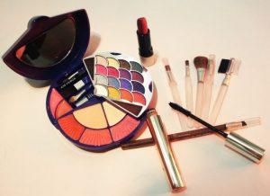 How to Start a Makeup Blog